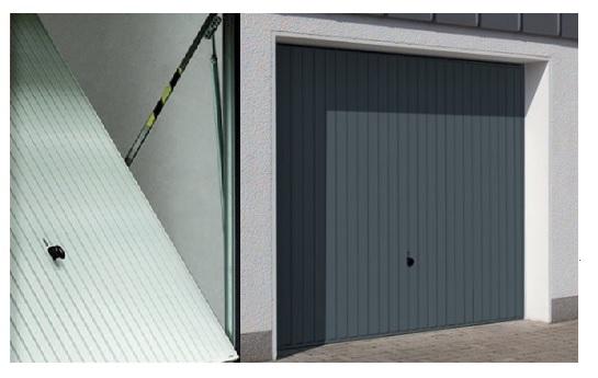 Porte de garage basculante en acier  laquée. Utilisation manuelle ou motorisée.